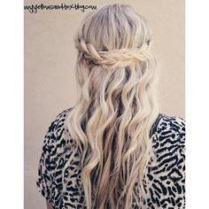 Hair, Nails, ect! ❤ liked on Polyvore featuring beauty products, haircare, hair, hairstyles, hair styles, cabelos and beauty