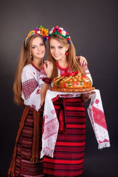 Young Women Ukrainian Clothes Garland Round Stock Photo (Edit Now) 185885417 Ukraine Women, Ukraine Girls, Estilo Popular, Eslava, Ethno Style, Russian Beauty, Folk Fashion, Folk Costume, Photos Of Women