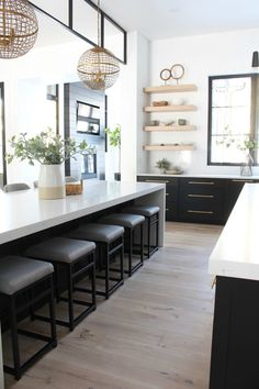 Kitchen Remodel A Few Ideas - Browse our kitchen renovation gallery with traditional to modern to beachy kitchen design inspiration. Rustic Kitchen, Contemporary Kitchen, Home Decor Kitchen, Kitchen Interior, Interior Design Kitchen, Kitchen Layout, Farmhouse Style Kitchen, Kitchen Style, Modern Kitchen Design
