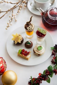 Kate and Chelsie: Decadent Christmas Afternoon Tea At The Capital Hotel, London