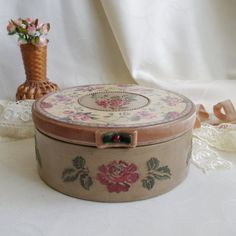 Wooden box. Decoupage box. Casket. wood box. Vintage box.  box with roses. casket for needlework.   box for jewelry. round box  box with lid by HelenBeautydecoupage on Etsy