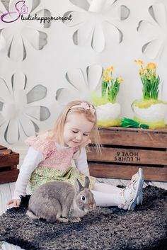 Easter photo ideas for children, girl with bunny