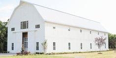 Rustic Barn Wedding Venue Quinlan | The White Sparrow