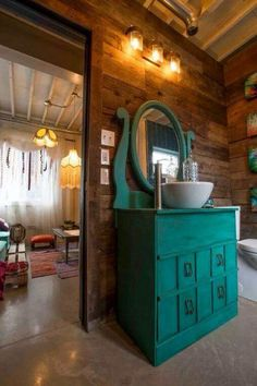 man transforms shipping containers into nice home 14 Man transforms 4 shipping containers into a luxurious house he can call his own (18 Photos)