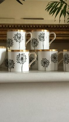 Hand painted porcelain #azarraluqui @azarraluqui