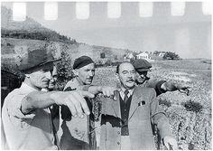 Nagy Imre Badacsonyban 1956.október 22-én. Ez a fotó 33 évig nem volt publikálva. (fotóművészet.net) Budapest Guide, Budapest Hungary, World War Two, Revolution, Roots, Posters, History, Revolutions, Postres