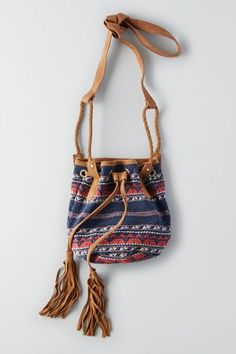 AEO Textured Bucket Bag (Luggage), Women's, Blue