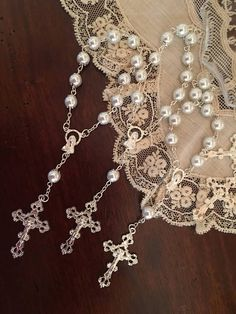 30 Pieces 8mm Glass Pearls Rosaries, Mini rosaries, Decade rosaries, First communion favors Recuerditos Bautizo Mini Rosary Baptism Favors Rosary color available White, Pink Each rosary measure 7 in
