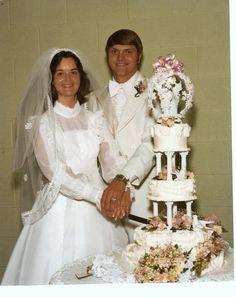 wedding cake 70s