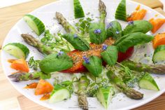 """Raw vegan recipe for """"Stuffed sweet red peppers with asparagus tips"""" (rawvegan, rawfood, 80-10-10)"""