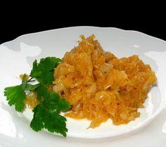 Varza murata calita Romanian Recipes, Romanian Food, Cabbage Stew, Pickled Cabbage, Calzone, Italian Dishes, Homemade Food, Lasagna, Delish