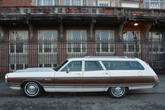 American Classic Cars, Old Classic Cars, Plymouth Cars, Woody Wagon, Mercury Cars, Chrysler Town And Country, Dodge Chrysler, Station Wagon, Mopar