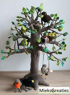 Tree 4 seasons amigurumi crochet pattern by MieksCreaties