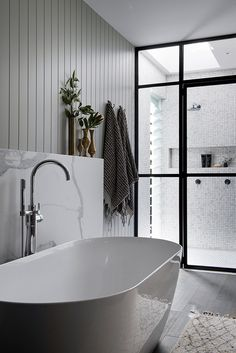 Contemporary bathrooms look clean cut and fresh, always with stylish details too, to pull the finishing look together. Modern contemporary bathrooms can. Bathroom Layout, Modern Bathroom Design, Contemporary Bathrooms, Bathroom Interior Design, Home Interior, Small Bathroom, Bath Design, Modern Design, Tile Bathrooms