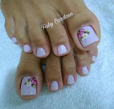 New nails art french piedi ideas Feet Nail Design, Toe Nail Designs, Fancy Nails, Pretty Nails, Hair And Nails, My Nails, Feather Nails, New Nail Art, Super Nails