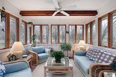 Lovely Sunroom Design and Decor Ideas