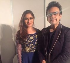 Attractive Samra Khan and Adnan Sami Superb Live Perform in Dubai Show  (1)