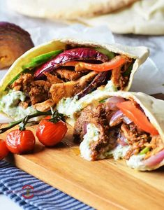 Make this easy Chicken Gyro at home with an interesting home-made vertical rotisserie. This greek chicken gyro sure beats the taste of any gyros takeouts. Serve it loads of Tzatziki Sauce. Chicken Gyro Recipe, Quick Chicken Recipes, Chicken Gyros, Turkey Recipes, Tzatziki Sauce, Greek Recipes, Indian Food Recipes, Ethnic Recipes, Gyro Pita
