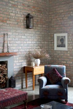 House Tour: A Barn-Style Home in South Africa Bohemian Living Rooms, Living Spaces, Fold Up Chairs, Stacking Doors, Village House Design, Dining Room Table Chairs, Cozy Chair, Attic Bedrooms, Patio Chair Cushions