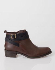 1.2.3 Paris - Les accessoires automne-hiver 2016 - #Bottines #Chocolat en #cuir Urban 129€ #123paris #mode #fashion #shopping #accessoire #accessories #leather #boots