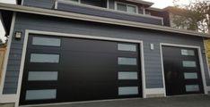 5 Popular Garage Door Styles This Year and Next Garage Door Paint, Garage Door Panels, Garage Door Decor, Garage Door Styles, Garage Door Design, Contemporary Garage Doors, Modern Garage Doors, Carriage House Garage Doors, Cool Garages