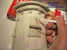 manualidades teja decorada 2 Paper Clay, Clay Art, Decorative Tile, 3 D, Diy And Crafts, Miniatures, Ceramics, Vintage, Watering Cans