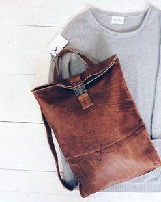 Willemijn van Dijk leather backpack + American Vintage knit [size L] #kolifleur #autumn #cozydays  by @weirdnomad
