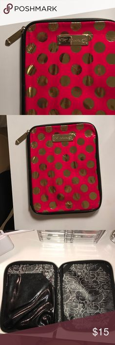 Betsey Johnson ipad case Great condition! Never used. Could work with any ipad except the mini Betsey Johnson Accessories Laptop Cases