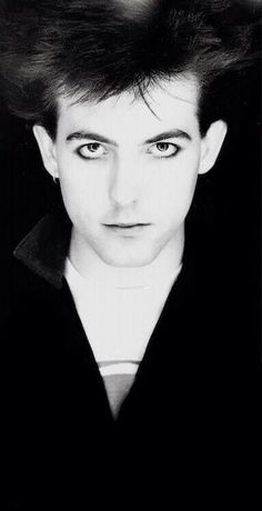 RS those eyes #thecure #robertsmith