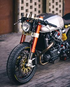 megadeluxe:  Sacha Lakic's Honda CX500 Cafe Racer. Via Garage Project Motorcycles.