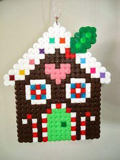 cupcake cutie: FREE Gingerbread House cross stitch or hama bead . - cupcake cutie: FREE Gingerbread House cross stitch or hama bead . Hama Beads Design, Diy Perler Beads, Perler Bead Art, Melty Bead Patterns, Pearler Bead Patterns, Beading Patterns, Embroidery Patterns, Stitch Patterns, Perler Bead Ornaments Pattern