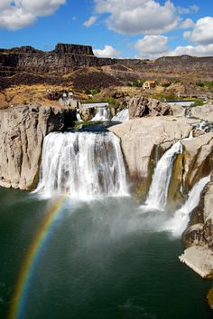 Shoshone Falls: I used to visit these every year with my Grammy & Gramps. Fond, fond memories of this place!