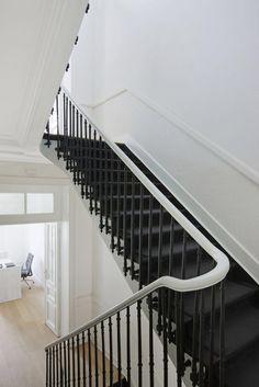 Stairs black & white