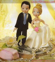 """Жених и невеста"" фигурка на торт-Groom & Bride wedding cake topper tutorial - Мастер-классы по украшению тортов Cake Decorating Tutorials (How To's) Tortas Paso a Paso"