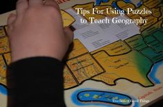 Tips for using puzzles to teach geography using puzzles.  A fun way to learn about states, countries and more! | www.thecharlottemasonway.com