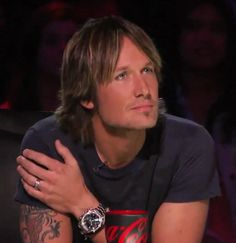 Country legend @KeithUrban wears a Seamaster Planet Ocean on @AmericanIdol!  omegawatches Twitter