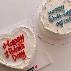 Pretty Birthday Cakes, Pretty Cakes, Beautiful Cakes, Amazing Cakes, Heart Birthday Cake, Funny Birthday Cakes, Simple Cake Designs, Korean Cake, Pastel Cakes