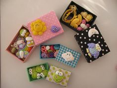 Caixes de llumins 'disfressades' per posar cosetes
