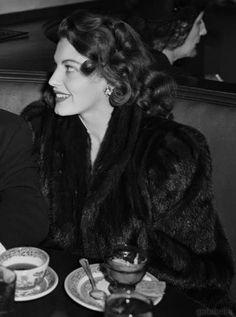 gatabella:  Ava Gardner, c.1942