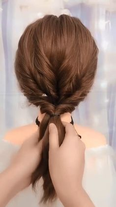 Long Hairstyle Tutorial Long hairstyles tutorial showing how to turn a ponytail into a cute and unique beautiful hair style for long hair. Bun Hairstyles For Long Hair, Braided Hairstyles, Hairstyles Haircuts, Hairstyles Videos, Easy Hairstyles For Work, Long Hair Dos, Second Day Hairstyles, Office Hairstyles, Amazing Hairstyles