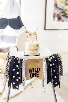 Wild One Party Banner Where the Wild Things Are First Birthday Wild Old Highchair Banner Pennant Flag Bunting Birthday Cake Smash Photo Prop Wild One Party Banner Wo die wilden Kerle ihren ersten Geburtstag haben 1 Year Old Birthday Party, Boys First Birthday Party Ideas, Baby Boy Birthday, Birthday Cake Smash, First Birthday Cakes, Boy Birthday Parties, Birthday Bunting, Birthday Photos, Birthday Gifts