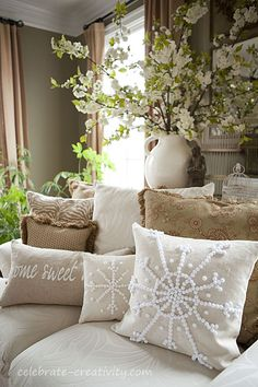 DYI - Snowflake Pillows inspired by Pottery Barn