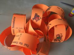This least common denominator paper chain activity gets students hands-on and talking about fractions. Check out all 10 common denominator activity ideas. Math Fractions, Maths, Activity Ideas, Fun Activities, Least Common Denominator, 100s Day, Math Lab, Paper Chains, Teaching Strategies