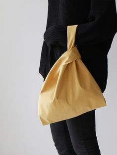 my own bag _ mustard Japanese Knot Bag, Linen Bag, Simple Bags, Shopper Bag, Couture, Cotton Bag, Cloth Bags, Looks Cool, Logo Design