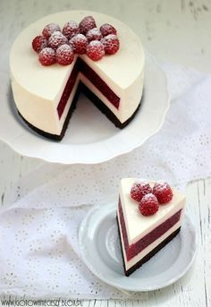 Cheesecake avec insert framboise, sur biscuit au chocolat - Raspberry cheesecake