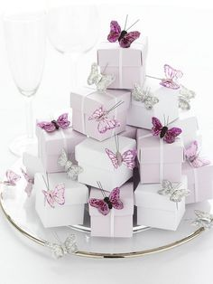 Favour Boxes...Love this idea. I would use different colors for my wedding though :)