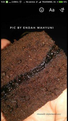 Assalamualaykum      Subuh-subuh ketika hujan sedang turun saya eksekusi brownies ini Selasa pagi.