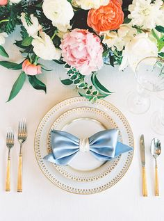 Chic and Classic Bow Napkin with Gold Decor