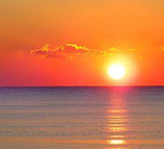 Corrientes, Argentina- i love argentina! Beautiful Sunrise, Beautiful Beaches, Dream Vacations, Vacation Spots, Beautiful World, Beautiful Gardens, Argentine Buenos Aires, Ocean Colors, Explore Travel