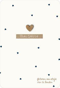 Lief geboortekaartje voor een meisje in Scandinavische stijl_lieve hartjes met goud hartje_donkerblauw#www.studiokuuk.nl